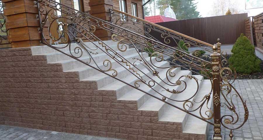 Кованые лестницы, перила, изготовление в Киеве