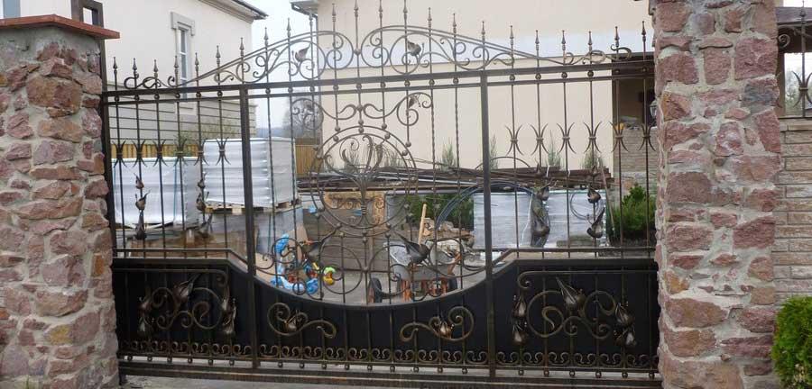 Кованые ворота, калитки, заборы, навершия в Киеве